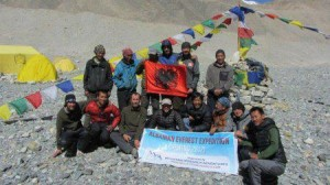 """Shqiptarët """"pushtojnë""""  Everestin - Ekipi i alpinistëve përmbush me sukses misionin e tij"""