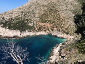Gjiri i Dafinës në Karaburun, një mrekulli e vogël ende e pazbuluar