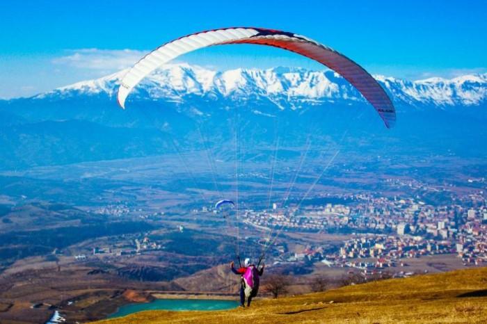Dibra jo vetëm destinacion turistik, por parajsë e aeronautikës