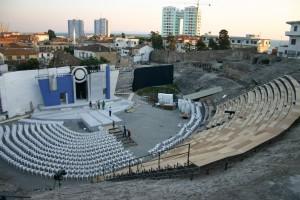 Sara Santoro: E keni kthyer Amfiteatrin e Durrësit në kosh plehrash!